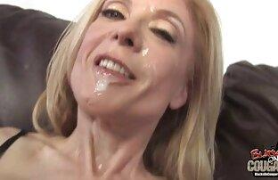 Blonde für auf frau beim sex Titten im casting.