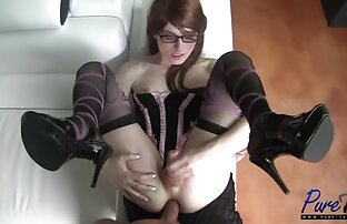 Eine schöne Frau mit Haaren. fette frauensex