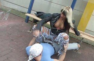Sex eines weißen Mädchens mit großen schwarzen reife frau sex Schwanz.