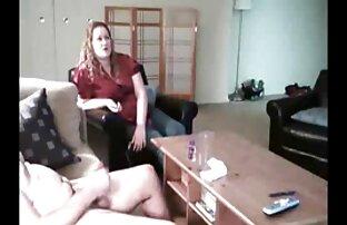Nach dem Sex mit dem behaarte frauen sex Mann mit dem Sprühstrahl bestreuen.