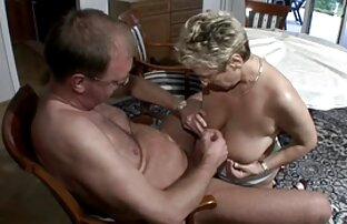 Ein erotische frauen beim sex kleines Badezimmer.