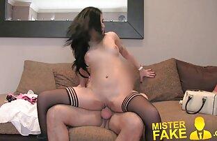 Das alter frauensex attraktive Mädchen massage in pussy.