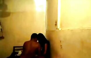 Eine Frau, die ihren Mann erregt und nackte junge frauen beim sex von ihm heizen muss.